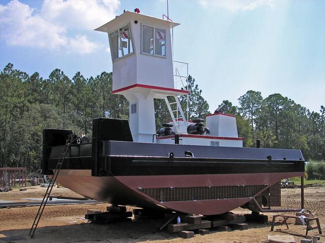 Pioneer Equipment Company - Dredging - Dredge Workboat