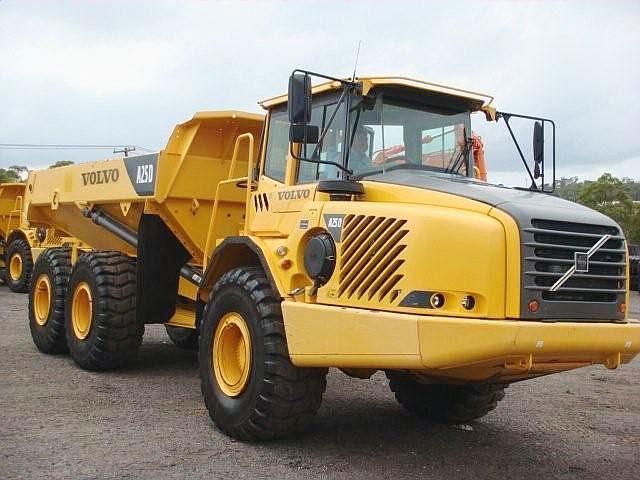 pioneer equipment company construction off road trucks. Black Bedroom Furniture Sets. Home Design Ideas